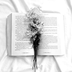 Sundays are for relaxation and #inspiration #instagram #book #flowers #bookstagram #minimalism #minimalist #aesthetic #photography #bed #sunday #instalike #l4l #f4f #like4like #follow4follow