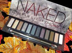 Urban Decay Naked Smoky Eye Shadow Palette Review & swatches, find out if its worth the money!
