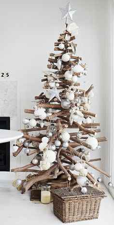 Driftwood Tree. For my beach house one day!