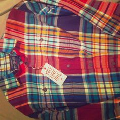 Medium American eagle plaid shirt It is mens medium- bought to wear with leggings and boots never did. Brand new American Eagle Outfitters Tops