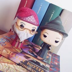 It' is been awhile so it's time to visit old friends from Hogwarts again. Reading Harry Potter is always a good idea! If youre a HP fan you know that there's no harm in rereading the series even if its for the millionth time. . . #jkrowling #harrypotter #albusdumbledore #minervamcgonagall #funkopop #vinylbobblehead #vinylfigure #librarian #bookworm #bookstagram #instabook #instagood
