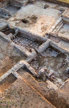 Archaeological excavation of ancient #aquinum