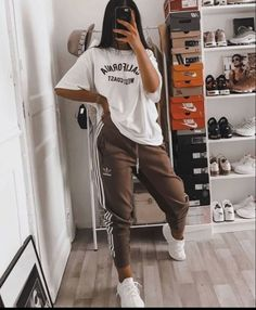 trendy outfits for school ; trendy outfits for summer ; trendy outfits for women ; Casual School Outfits, Cute Lazy Outfits, Edgy Outfits, Teen Fashion Outfits, Retro Outfits, Chill Outfits, Outfits For Teens, Tumblr Outfits, Fashion Clothes