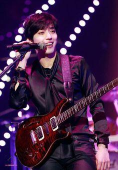 #jungyonghwa#cnblue#yonghwa