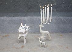 Poro on usein osa pohjoista arkea ja sisustusta, tavalla tai toisella. Candle Holder Decor, Petra, Reindeer, Lanterns, Studios, Candles, Silver, Fiat, Decor Ideas