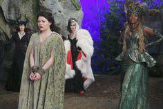 "Belle, Maleficent, Cruella and Ursulla - 4 * 11 ""Heroes and Villains"""