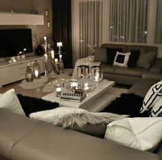 43 Modern Glam Living Room Decorating Ideas - Home Decor Design Glam Living Room, Living Room Decor Cozy, Interior Design Living Room, Home And Living, Living Room Designs, Glam Room, Simple Living, Living Room Inspiration, Furniture Inspiration