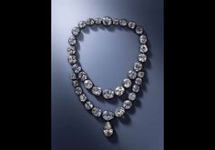 Diamond necklace belonging to Queen Amélie-Auguste (1752 - 1828) wife of Frédéric Auguste I (1750 - 1827), King of Saxony Ignaz Konrad Plödterl (master in 1819 - + 1835) Second half of the 18th century and 1824 © Dresden, Staatliche Kunstsammlungen Dresden | Hans-Peter Klut.