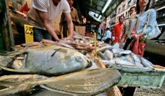The Chinatown Bayard Market, one of the largest fish markets in Manhattan. Road Trip Across America, Road Trip Food, Places To Eat, Seafood, Nyc, Good Things, Lenten, Farms, Manhattan