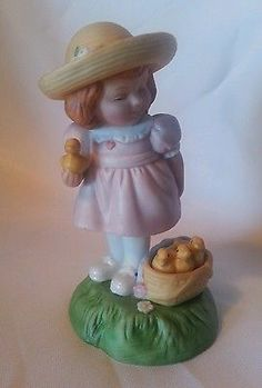 Avon Easter Girl With Ducklings Figurine Limited Edition 1985