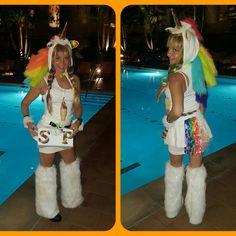 Home Made Squatty Potty Unicorn .with Miniture SP Unicorn Halloween Costume, Halloween Treats, Halloween Costumes, Squatty Potty, Miniture Things, Homemade, Holidays, Party, Style