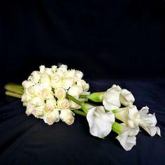 Biała kompozycja na cmentarz Jak Płomień Funeral, Crown, Wedding Ideas, Atelier, Corona, Crowns, Wedding Ceremony Ideas