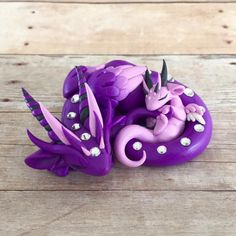 Mama and baby by Dragons&Beasties Polymer Clay Kunst, Polymer Clay Dragon, Polymer Clay Figures, Polymer Clay Animals, Cute Polymer Clay, Cute Clay, Polymer Clay Creations, Polymer Clay Crafts, Diy Clay