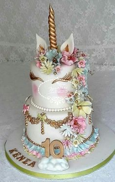 Unicorn cake - cake by Fées Maison (AHMADI) - CakesDecor - Birthday Cake Vanilla Ideen Unicorn Birthday Parties, Unicorn Party, Cake Birthday, Happy Birthday Cakes, Beautiful Cakes, Amazing Cakes, Bolo Tumblr, Gateau Harry Potter, Unicorn Foods