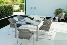 Fonott elegáns kerti bútor