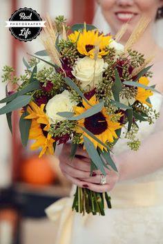 Fall wedding bouquet. sunflowers