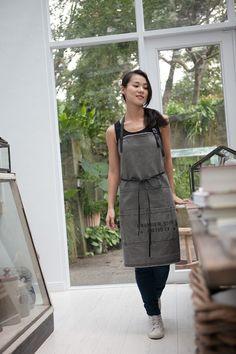 Waxed Canvas Apron    Men and Women's Apron    Work apron    Barista apron…