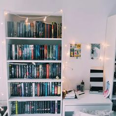 Image in ♥ Books ♥ collection by Endless Dream Bookshelf Inspiration, Room Inspiration, Library Bookshelves, Bookcase, Home Libraries, Book Aesthetic, Home And Deco, Book Nooks, Dream Rooms