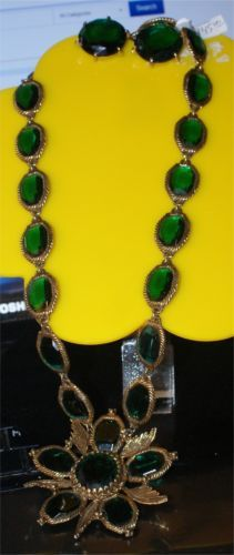LARGE-RUNWAY-ESTATE-JEWELRY-ORNATE-GREEN-RHINESTONE-NECKLACE-JUDY-LEE-EARI-S