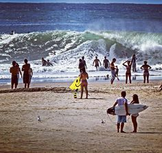 Snapper Rocks   #shotspot #shotspotbrasil #surfing #snapperrocks #waves #goldcoast #discoveryqueensland #australia #pointbreak #ondas #barrels #tube #crowd @dcominski by shotspotbrasil