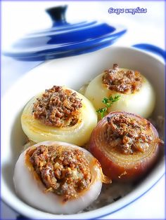 Ceapa Umpluta Romanian Food, Panna Cotta, Food And Drink, Breakfast, Ethnic Recipes, Green, Pork, Morning Breakfast