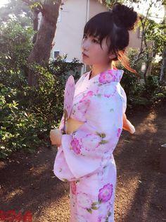 ピンクの浴衣を着た高橋朱里