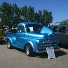 This 1950 Fargo is a Beautiful truck @ the All Mopar Fest Show. Again It's a Fargo truck Eh..Super-run Events Held in Langley BC..|Calgary AB.| Regina SK.| Brandon MB.| Hamilton ONT. 4 other Provinces| Que`bec|NB.|N.S.|& NF. need listing..LOVE Them Mopar's!!! SWEET '50 here...