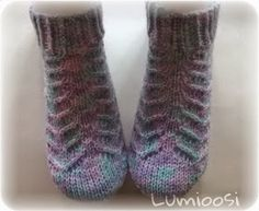 Lumioosi: Pitsisukka Knitting Socks, Pattern, Olaf, Fashion, Knit Socks, Moda, Fashion Styles, Patterns, Model