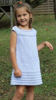 Little Elyssa Knitting pattern by Taiga Hilliard Designs – Knitting patterns, knitting designs, knitting for beginners. Beginner Knitting Patterns, Knitting For Kids, Easy Knitting, Knitting For Beginners, Crochet For Kids, Knitting Yarn, Girls Knitted Dress, Knit Baby Dress, Knitted Baby