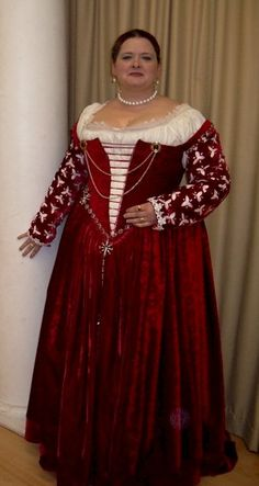 Italian Showcase - Kathy at the Realm of Venus:  A Venetian Gown in the Style of the 1560s