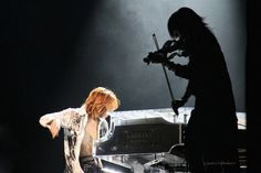 Sugizo and Yoshiki. If anyone deserves and can fill hide's shoes, this is him. My Best Friend, Best Friends, Visit Tokyo, Music Express, Gackt, Tokyo Travel, Our Friendship, Visual Kei, Artist Art