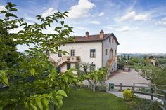 in #Montepulciano this #rustichouse with #flats and #pool #simonettacecchiniimmobiliare