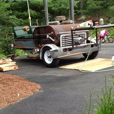 Pig cooker!! Love it!! Bbq Pit Smoker, Bbq Grill, Grilling, Homemade Smoker, Pig Roast, Coffee Truck, Gourmet Recipes, Gourmet Foods, Coffee Signs
