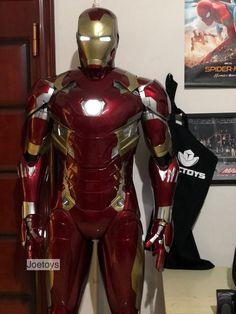 Iron Man Statue Printed Iron Man / Full Body Armors for Display Only Iron Man Helmet, Iron Man Suit, Iron Man Armor, Spiderman Costume, Batman Cosplay, Superhero Suits, Iron Man Avengers, Arc Reactor, Batman Universe