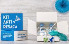 Kit Anti-Resaca. El regalo más divertido para los invitados. Botella de agua personalzada, tapones para los oídos, antifaz de gel frío y caramelos cruz verde