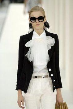 Dior szerint a fehér blúz