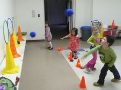 Yoga For Preschool Age Physical Activities For Kids, Motor Skills Activities, Physical Education Games, Gross Motor Skills, Learning Activities, Preschool Activities, Gym Games, Brain Gym, Preschool Age