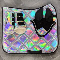 No more secrets 🌈💥 Holo set is finally available in JUMPING cut in both FULL and PONY sizes 😎.Get yours before they get sold out again 🙈 Equestrian Boots, Equestrian Outfits, Equestrian Style, Equestrian Problems, Riding Hats, Horse Riding, Hv Polo, English Horse Tack, English Saddle Pads