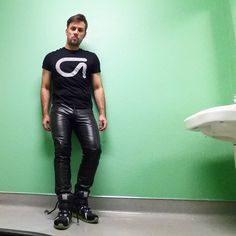 #leatherpants #leather #leathergay #gay #gayleather #leathermen #leatherman #bockleder #bockle #hotguy #guy #man #fashion