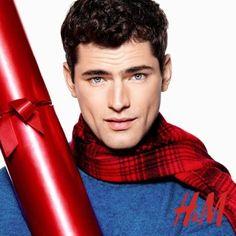 H&M! Zobacz zdjęcia oraz klip! http://feszyn.com/katy-perry-w-swiatecznej-kampanii-hm/  #hm # #święta #moda #fashion #trendy