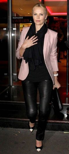 Charlize Theron – Chic Street Style | lookpurdy. She looks so much like my mom here.