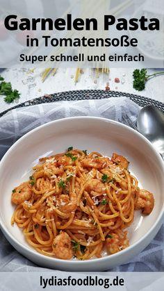 Garnelen mit Spaghetti und Tomatensoße sind sehr schnell und unkompliziert zu machen. Es ist eines dieser Nudelgerichte, die man nach Feierabend schnell und einfach frisch zubereiten kann. In 20 Minuten hat man ein schmackhaftes Mittag- oder Abendessen gekocht. So lieben wir es doch alle!  #garnelen #shrimps #tomaten #nudeln #spaghetti #pasta #einfach #günstig #rezept Vegetarian Recipes Dinner, Healthy Dinner Recipes, Easy Asian Recipes, Ethnic Recipes, Asian Vegetables, Tomato Sauce Recipe, Cheesecake, Easy Healthy Dinners, Pasta Dishes