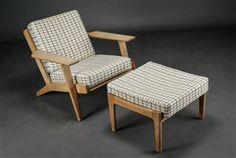 Vare: 3389208 Hans J. Wegner. Lænestol samt skammel af egetræ, model GE-290 (2)