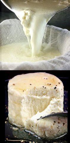 Ev yapımı Ricotta Peyniri - 4 Malzemeler, pişirme süresi 2 dakika. Mağaza satın daha çok daha iyi! Tipik kullanımlar dışında, bal ve karabiber ile deneyin!