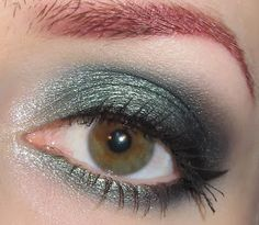 Glitter is my crack...: Forest Green Eye Makeup Look