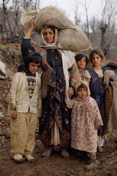 Kurds Flee Iraq for Turkey one of the darkest times for Kurds