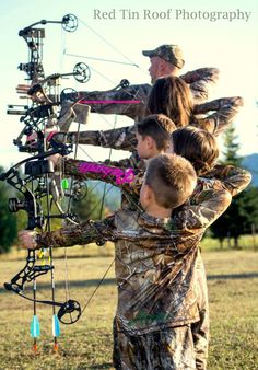 family hunting oh yes Archery Photography, Cute Photography, Family Photography, Wedding Photography, Country Family Photos, Fall Family Photos, Family Pics, Camo Family Pictures, Hunting Pictures