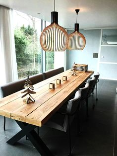 Octo 4240 pendant above an amazing dining table Get the farmhouse dining room design decor ideas from the dining table, chairs, and more. Are you looking for some dining room design idea? Dining room is a place where family and friends eat meals together Farmhouse Dining Room Table, Dining Room Table Decor, Dining Room Design, Room Decor, Design Kitchen, Beautiful Dining Rooms, Office Interior Design, Kitchen Black, Mushroom Sauce