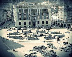Plaza de Jose Antonio (Las Palmeras). https://www.facebook.com/pages/Jaen-ayer-y-hoy/327383994035288