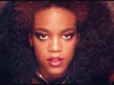 Love Come Down- Evelyn Champagne King (+playlist) THIS IS ONE OF MY ALL TIME FAVORITE SONGS. THIS IS THE SONG THAT SOLD ME ON EVELYN